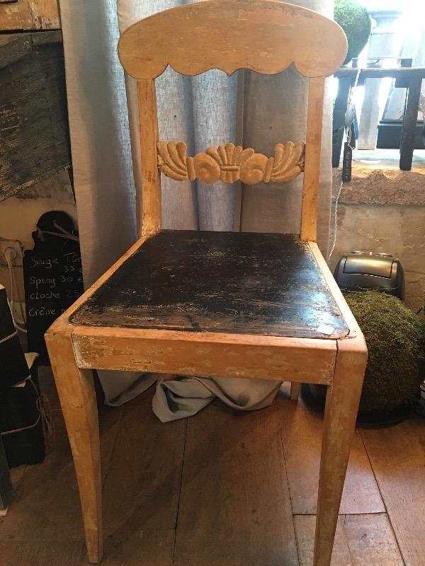 paire de chaises sudoises nouveautes au temps des cerises - Chaises Suedoises